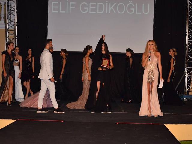 Elif Gedikoğlu… KREASYONUYLA KIBRIS'I BÜYÜLEDİ!.. galerisi resim 9