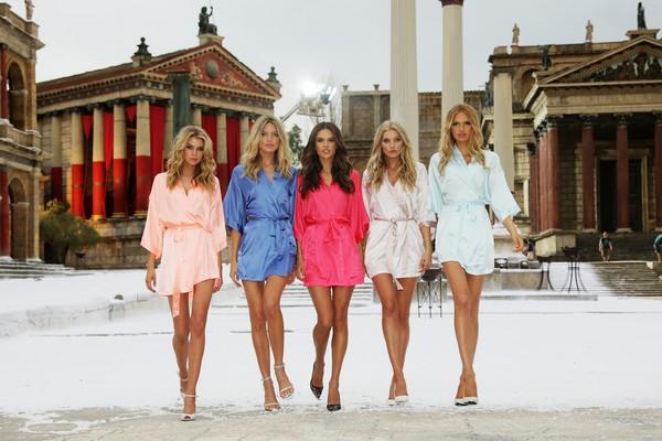 Victoria's Secret... SEKSİ MELEKLER, YAZ GÜNÜ CİNECİTTA'YA KAR galerisi resim 10