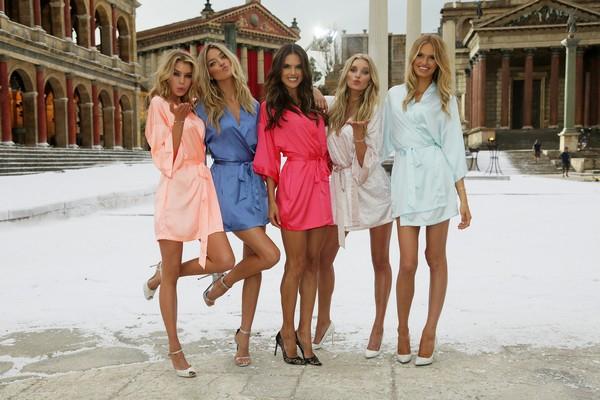 Victoria's Secret... SEKSİ MELEKLER, YAZ GÜNÜ CİNECİTTA'YA KAR galerisi resim 2