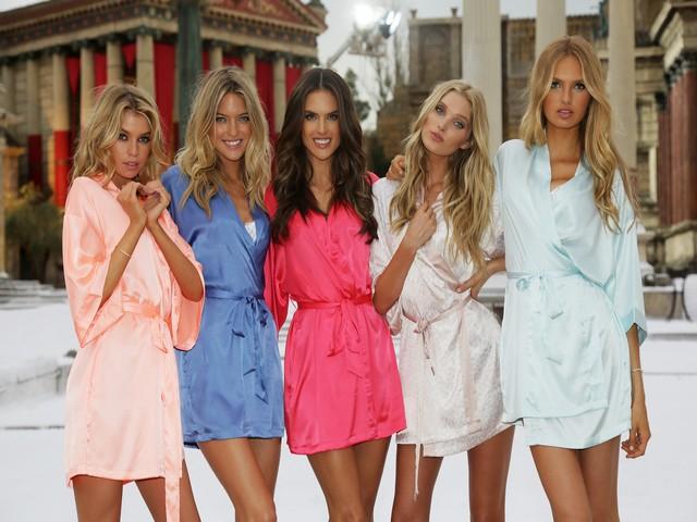 Victoria's Secret... SEKSİ MELEKLER, YAZ GÜNÜ CİNECİTTA'YA KAR galerisi resim 3
