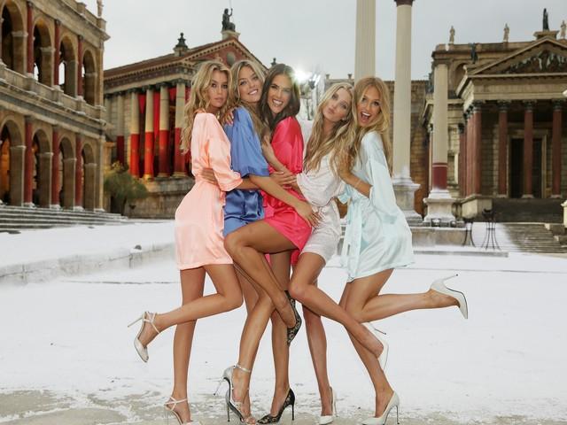 Victoria's Secret... SEKSİ MELEKLER, YAZ GÜNÜ CİNECİTTA'YA KAR galerisi resim 4