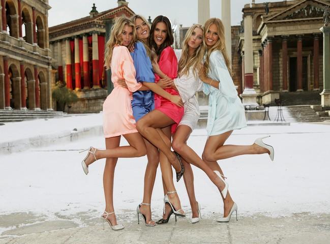 Victoria's Secret... SEKSİ MELEKLER, YAZ GÜNÜ CİNECİTTA'YA KAR galerisi resim 5