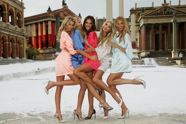 Victoria's Secret... SEKSİ MELEKLER, YAZ GÜNÜ CİNECİTTA'YA KAR galerisi resim 6
