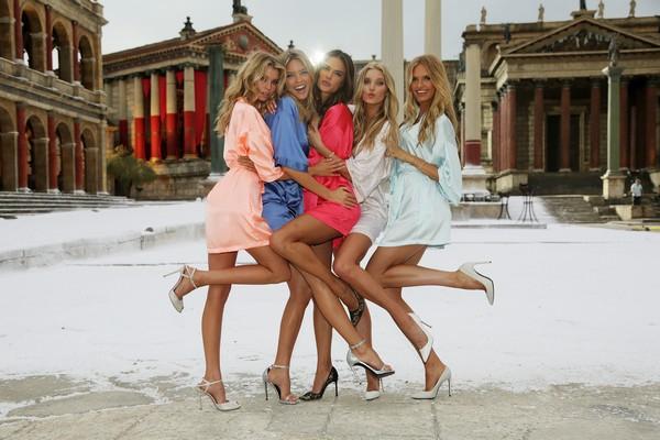Victoria's Secret... SEKSİ MELEKLER, YAZ GÜNÜ CİNECİTTA'YA KAR galerisi resim 7