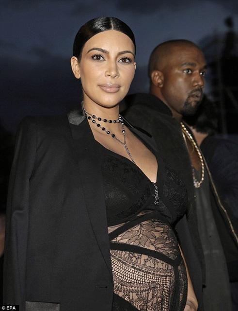 Kim Kardashian... HAMİLE TRANSPARANI! galerisi resim 13