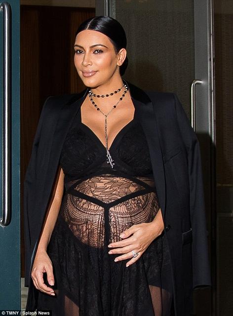 Kim Kardashian... HAMİLE TRANSPARANI! galerisi resim 8