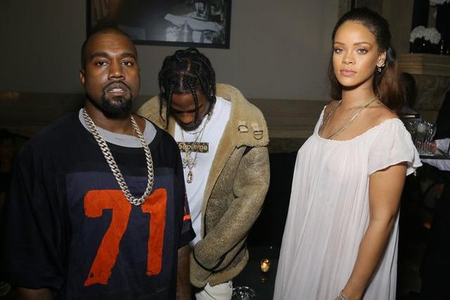 Rihanna... TRANSPARAN PEMBE! galerisi resim 2
