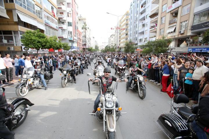 """Ünlüler """"Portakal Çiçeği Karnavalı"""" İçin Adana'ya Akın Etti galerisi resim 6"""