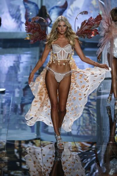 Victoria's Secret...  10 YENİ SEKSİ MELEĞİNİ GÖRÜCÜYE ÇIKARDI !.. galerisi resim 8