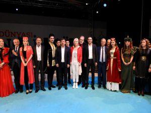 Darıca Belediyesi... TÜRKİ DEVLETLERİ KUCAKLADI...