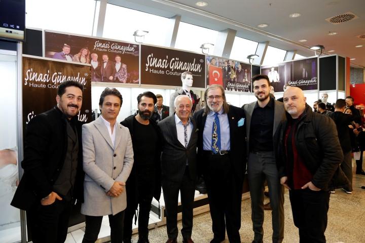 TÜRKİYE'NİN KARİZMALARI PODYUMDA FIRTINA GİBİ ESTİ!.. galerisi resim 1