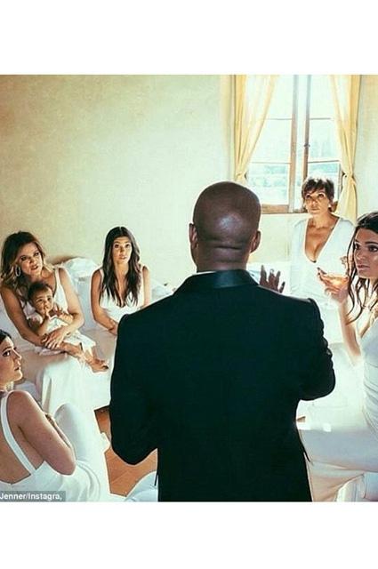 Kim Kardashian... EVLİLİK YILDÖNÜMÜNDE ÖZEL RESİMLER! galerisi resim 5