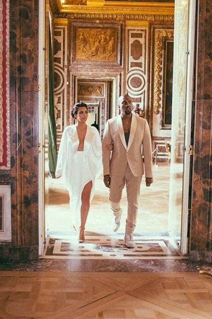 Kim Kardashian... EVLİLİK YILDÖNÜMÜNDE ÖZEL RESİMLER! galerisi resim 6