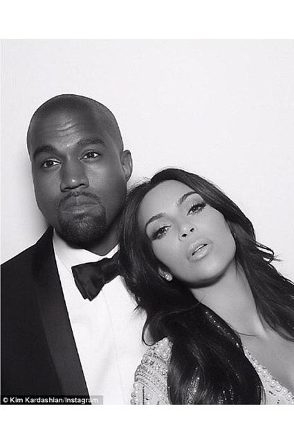 Kim Kardashian... EVLİLİK YILDÖNÜMÜNDE ÖZEL RESİMLER! galerisi resim 9