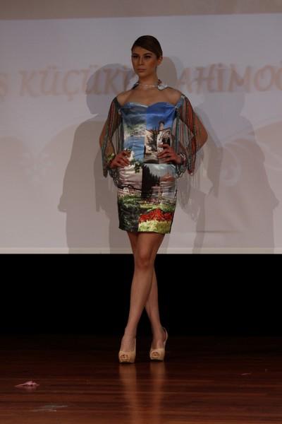 Modanın Şehir Defteri... ŞEHİR TEMALI ŞIK VE KLAS BİR DEFİLE !.. galerisi resim 4