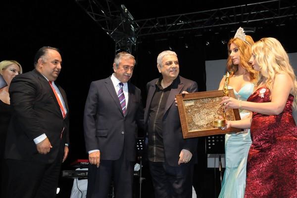Kıbrıs Genç TV... 18. KURULUŞ YILDÖNÜMÜNE YAKIŞAN ŞAŞALI BİR ÖDÜL TÖRENİ galerisi resim 13