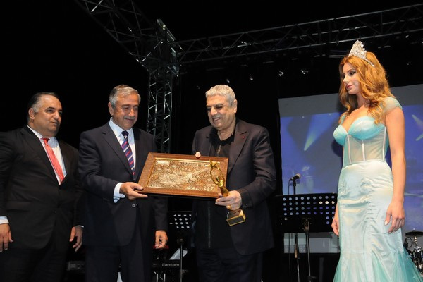 Kıbrıs Genç TV... 18. KURULUŞ YILDÖNÜMÜNE YAKIŞAN ŞAŞALI BİR ÖDÜL TÖRENİ galerisi resim 7
