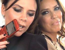 Eva Longaria-Victoria Beckham...İKİ SEKSİ KADIN TELEFONDA!...