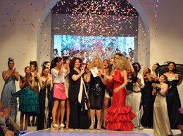 İTÜ Fashion Show 2010...İTÜ TASARIM ÖĞRENCİLERİ ÜRETTİKLERİYLE İLK KEZ PODYUMA ÇIKTILAR...