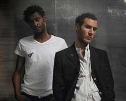 Massive Attack... MAVİ MARMARA BASKININDA ÖLENLER İÇİN ŞARKI!