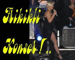 Bostancı'da yeni şarkılarını ilk kez seslendirdi... SEKSİ SEZEN...