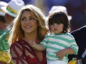 Shakira... SEKSİ ŞARKICININ MİLYONLARI ŞAŞIRTAN DÜNYA KUPASI FİNALİ !..