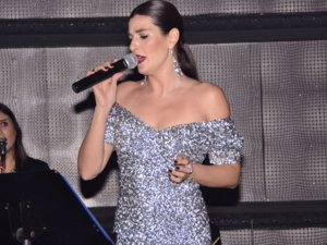 Pınar Soykan... PODYUM`DAN SAHNEYE!