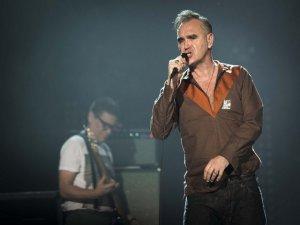The Smiths`in vokalisti Morrissey`den şaşırtan istek... İSTANBUL KONSERİNDE ET ÜRÜNLERİ SATIŞI YAPILMASINI İSTEMEDİ,,,