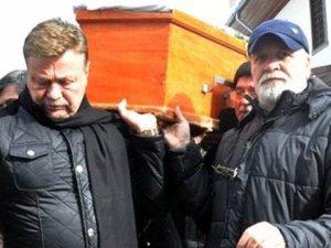 Nuri Alço... AĞABEYİ VEFAT ETTİ!