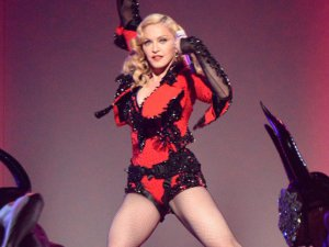"Madonna... ""KEŞKE GAY OLSAYDIM"" !.."