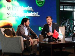 Mustafa Sandal... YEŞİLAY İLE ELELE!