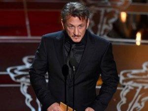 """Sean Penn... """"ESPRİLERİMİ ANLAMAYAN APTALLARA KÜFÜR EDEBİLİRİM"""" !.."""