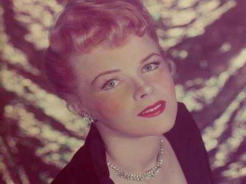 Amerikan sinemasının ünlü ismi Sally Forrest... HAYATA VEDA ETTİ !..