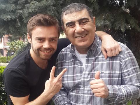 """Murat Dalkılıç... BAHARI ,""""ÖZÜLKÜ PROJECT-BİZİM ŞARKILAR"""" İLE KARŞILIYOR !.."""