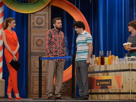 Güldür Güldür Show... ÖZGE ULUSOY VE ÇELİK İLE KAHKAHA TUFANI!