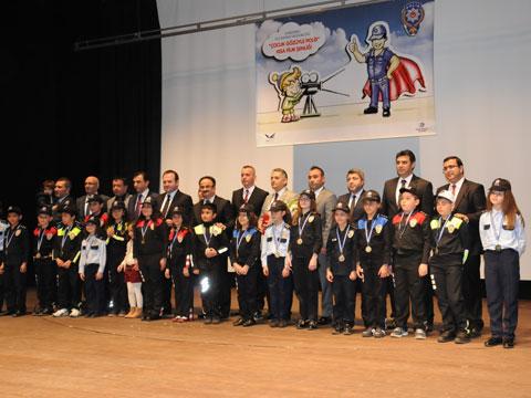 """""""Çocuk Gözüyle Polis"""" ... KISA FİLM ŞENLİĞİ YAPILDI!"""