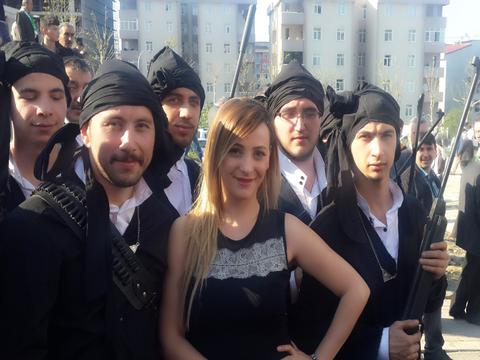 Deniz Tunca... GİRESUN'LULAR KÜLTÜR DERNEĞİ'NE , MANEVİ DESTEK !..