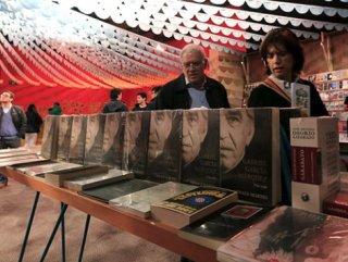 """Gabriel Garcia Marquez'in başyapıtı """"Yüzyıllık Yalnızlık"""" ... ÇALINAN İLK BASKISI BULUNDU !.."""