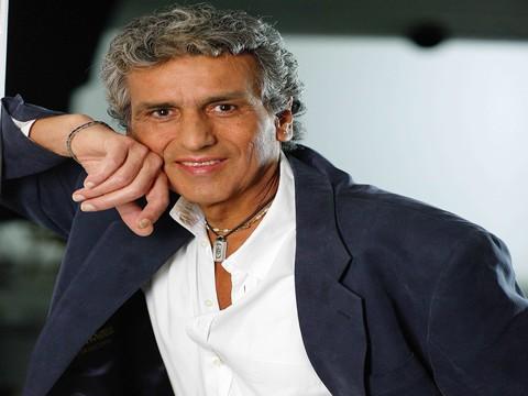 Toto Cutugno... ROMANTİK MÜZİĞİN PRENSİ, İSTANBUL'A GELİYOR !..