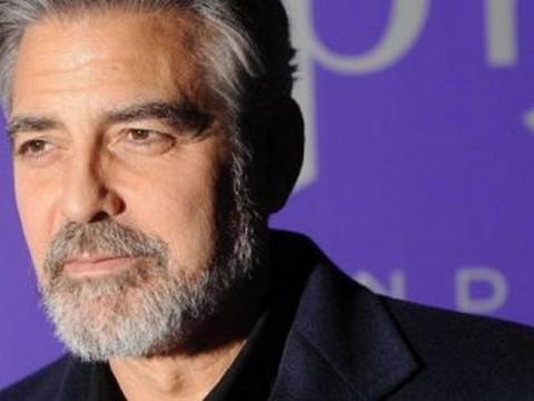George Clooney... SİNEMA SEVERLERDEN NEDEN ÖZÜR DİLEDİ ?..