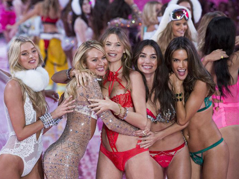 Victoria's Secret... MELEKLERDEN KÖTÜ HABER!
