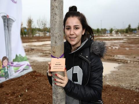 Merve Özbey... TÜRKİYE'NİN İLK EXPO'SUNA TAM DESTEK !..