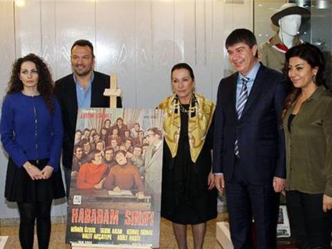 """52. Uluslararası Antalya Film Festivali... """"KEMAL SUNAL SERGİSİ"""" AÇILDI!"""