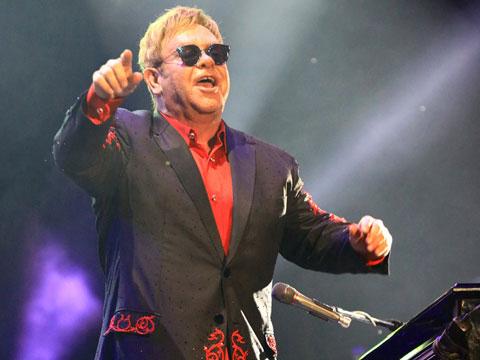 Elton John...OLAY İTİRAF!