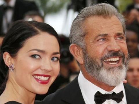 Mel Gibson... FUTBOL TAKIMI KURMASINA 2 EVLAT KALDI!..