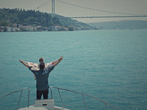Aslı Evner - Özcan Deniz...TİTANİK POZU!
