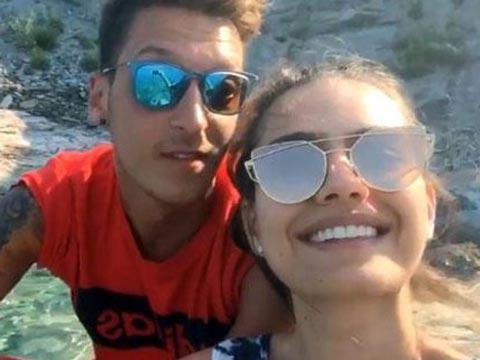 Mesut Özil - Amine Gülşe...  AŞKLARINI DÜNYAYA DUYURDULAR