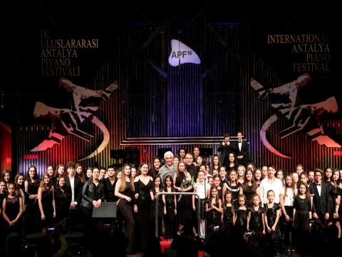 18. Uluslararası Antalya Piyano Festivali... SAHNE TÜRKİYE'NİN EN GENÇ MÜZİSYENLERİNDE!