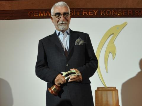 Cezmi Baskın... MURTAZA FİLMİYLE ÖDÜLDEN ÖDÜLE KOŞUYOR!