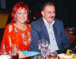Safiye Soyman... BİR KAMYON GÜLE FAİK BEY'İ AFFETTİ!